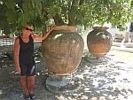 In de tuin van het museum van Eretria, Griekenland