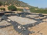 Het huis van de mozaiëken in Eretria is zorgvuldig ingepakt, Griekenland