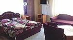 We hebben de paarse kamer in Vinksi Dvor, Servie